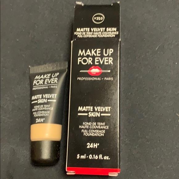 Makeup Forever Other - MUFE Matte Velvet Skin 24H Foundation